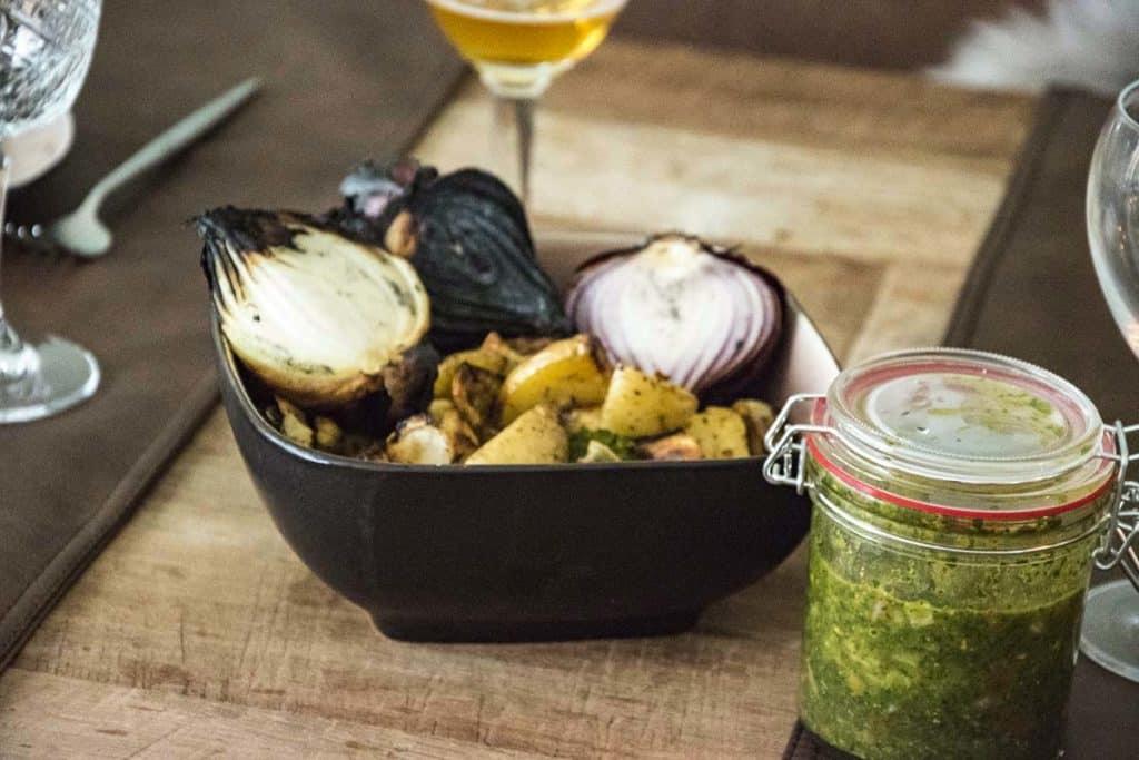 Aji-Picante-met-de-aardappeltjes-en-gepofte-ui