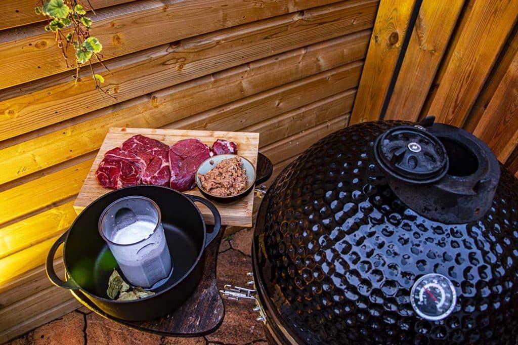 Beef rendang bbq vlees op de bbq 3