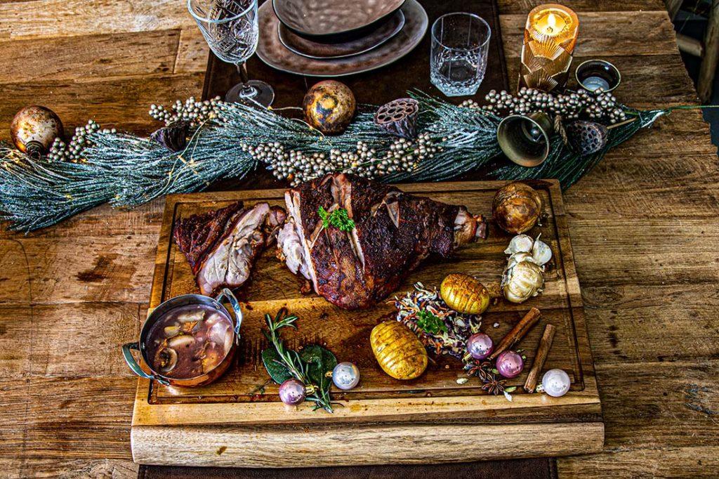 Crunchy Speenvarken Ham, met Peer Rode Wijnsaus - Kerst BBQ Recept