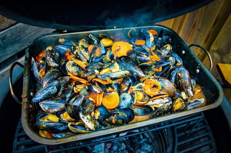 Zeeuwse Mosselen, met een Italiaanse twist, van de Kamado BBQ